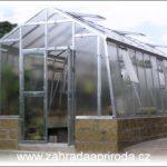 Jak na skleník a čím ho vybavit