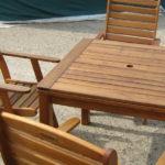 Ošetření zahradního nábytku z exotického dřeva
