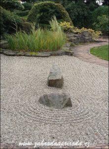 sucha-zahrada-z-kamenu